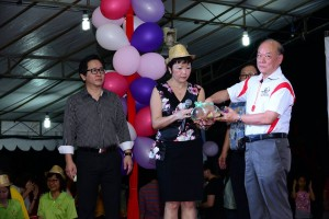 Rev. Chiam picking the winner